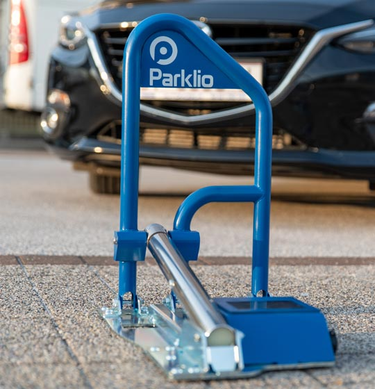 Replace your parking post with Parklio™ automatic barrier